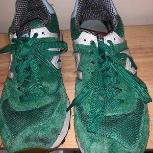 New Balance green tennis shoes